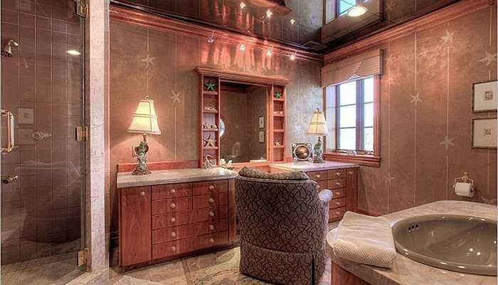 Phòng tắm như của một vị Hoàng đế