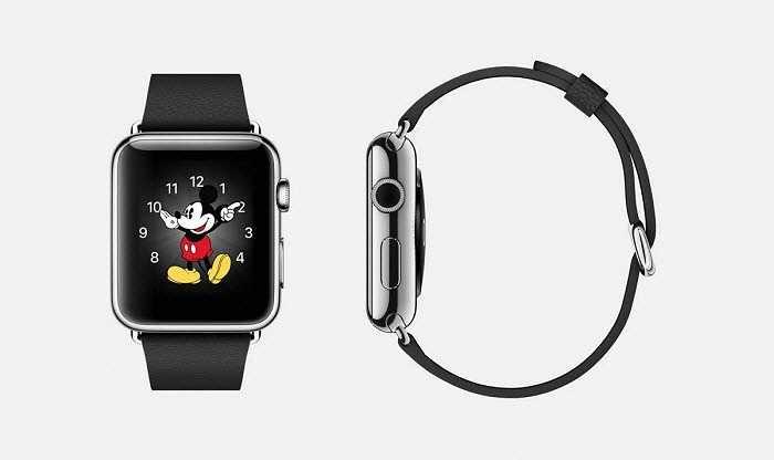 Phiên bản Apple có dây da đen cổ điển được làm bằng thép không gỉ, kích thước 38 mm hoặc 42 mm, khóa bằng thép không gỉ, màn hình Retina tinh thể sapphire và mặt gốm phía sau.