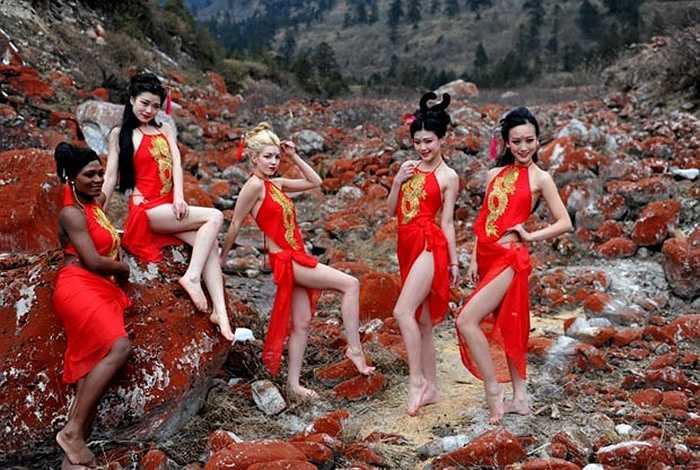 Các người mẫu đang làm việc cho một công ty ở Thành Đô