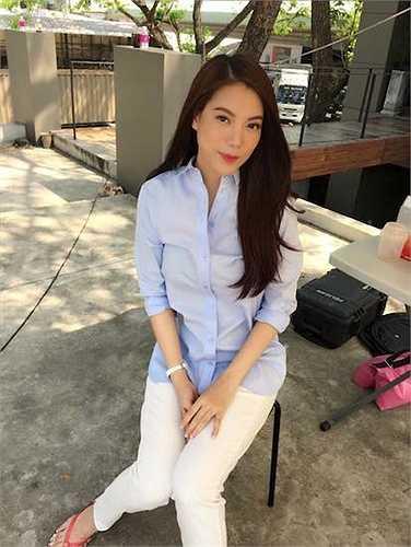 Cùng ngắm thêm vẻ xinh đẹp, trẻ trung của Trương Ngọc Ánh trên đất Thái: