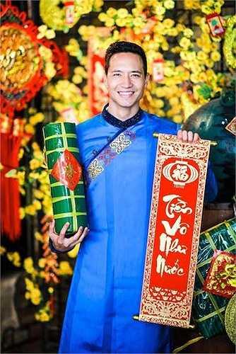 Anh chàng cũng vừa chia sẻ một số hình ảnh đẹp về Tết Việt trên trang cá nhân.