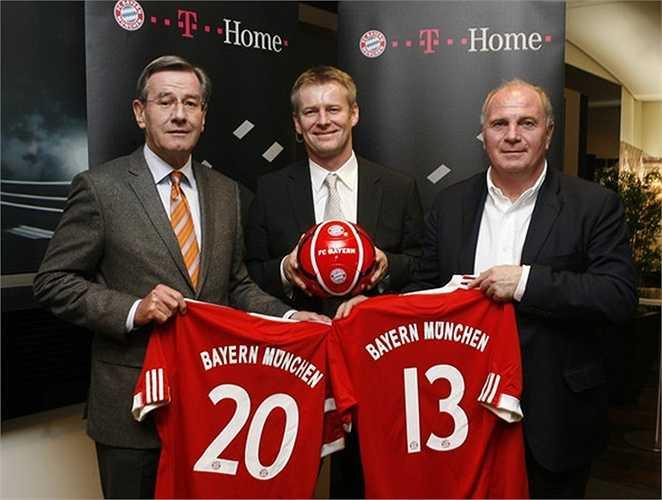 Năm 2009, Bayern Munich từng trở thành CLB có tiền tài trợ áo đấu lớn nhất thế giới khi chấp nhận lời đề nghị 25 triệu bảng/năm với hãng truyền thông khổng lồ Deutsche Telekom
