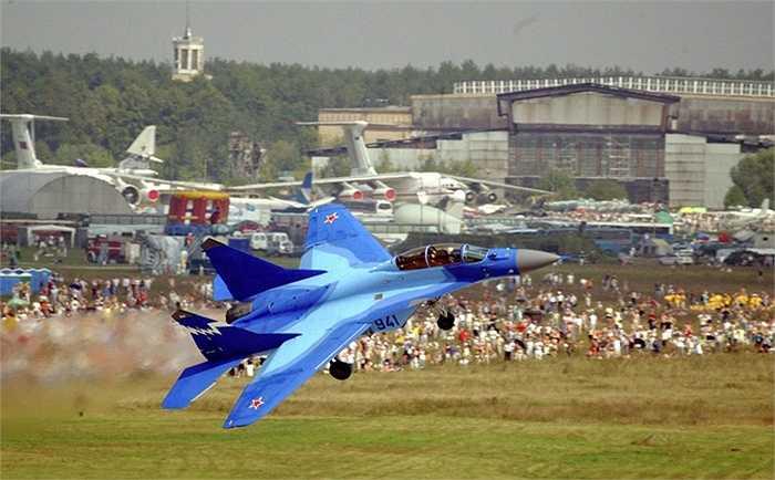 Chiến cơ MiG-29K/KUB Nga bán cho Ấn Độ