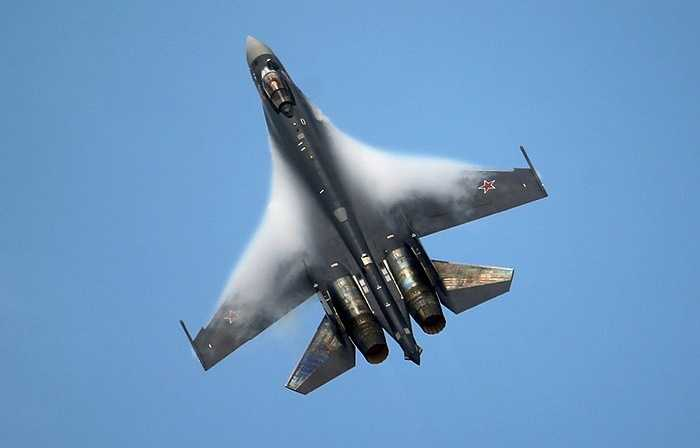Một chiến cơ Nga vượt qua ngưỡng tốc độ âm thanh