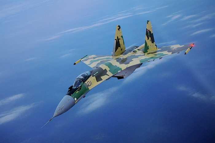 Su-35 cũng là chiến cơ thế hệ 4++