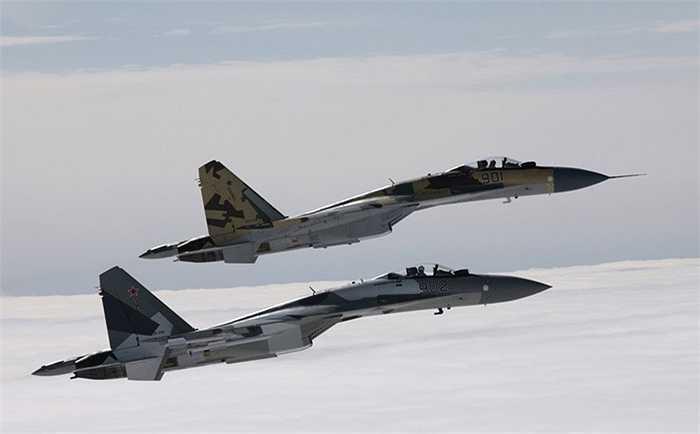 Một chiến cơ Su-35 có thể phục vụ trong 6.000 giờ bay hoặc 30 năm
