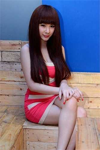 Ở độ tuổi 20, cô có trong tay số lượng scandal 'khổng lồ' mà nhiều sao Việt cả đời cũng chưa gặp phải.