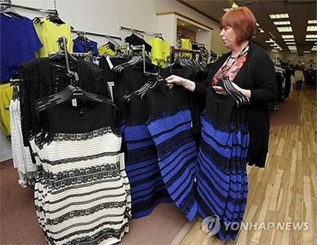 Theo tiết lộ của giám đốc sáng tạo của công ty, ông Ian Johnson, chiếc váy đang trong tình trạng cháy hàng, thời điểm đỉnh cao thương hiệu bán được 300 chiếc trong vòng 30 phút. Trang chủ công ty cũng đạt hàng triệu lượt truy cập.