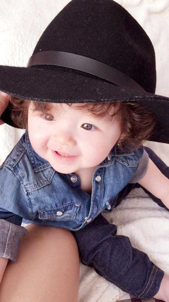 Dù tự hào về con gái xinh đẹp nhưng Elly Trần không có ý định công bố về danh tính cha của bé.