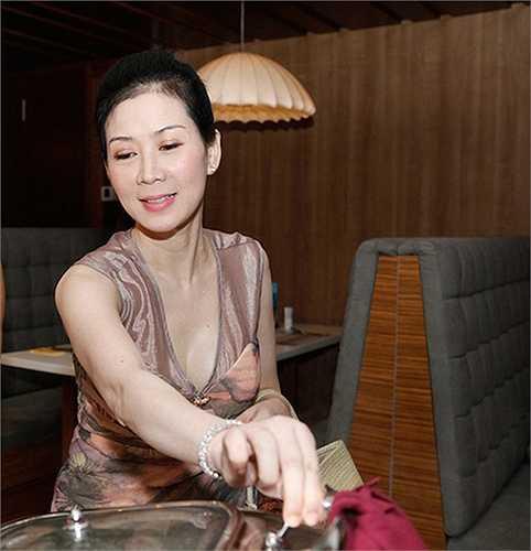 Cuối tháng 4/2013, Diễm Hương tái xuất trong dịp sinh nhật của một người bạn tại Tp. HCM.