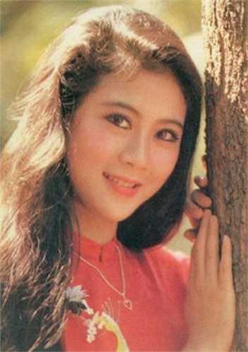 Diễm Hương từng ghi dấu ấn với nhiều bộ phim kinh điển như Phạm Công – Cúc Hoa, Nước mắt học trò, Sơn Tinh Thủy Tinh…