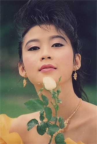 Diễm Hương còn được mệnh danh là 'người tình màn bạc' của tài tử Lý Hùng.
