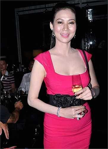 Sau đó, Diễm Hương bất ngờ xuất hiện trong một chương trình khách mời của một hãng mỹ phẩm năm 2007.