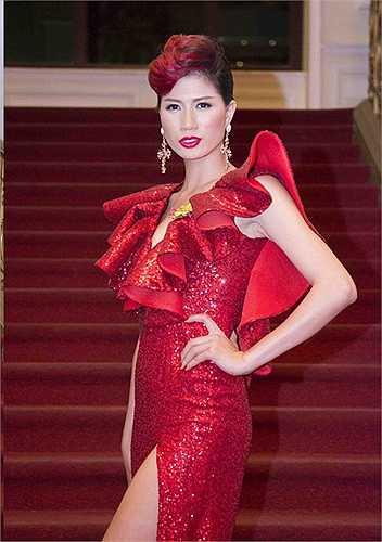 Trang Trần được biết đến là người phụ nữ thẳng thắn và nóng tính