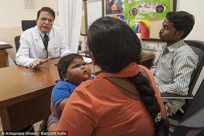 Bác sỹ nhi tại Fortis, cho biết: 'Đây là có thể là em bé nặng nhất và bé có thể bị béo phì hoặc mất cân bằng nội tiết tố'.