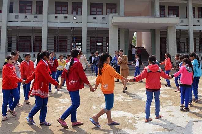 ĐaKrông là huyện miền núi vùng cao biên giới phía Tây Nam của tỉnh Quảng Trị. Thành lập năm 1997 trên cơ sở 10 xã của huyện Hướng Hóa và 3 xã của huyện Triệu Phong với diện tích 123.332 ha, dân số hơn 35.000 người, trong đó chủ yếu là đồng bào dân tộc Vân Kiều và Pa Cô.