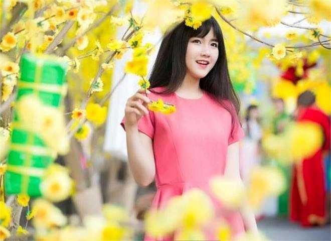 Hot girl 'trà sữa' Nguyễn Hoàng Kiều Trinh (1994) đến từ Sài Gòn sở hữu vẻ đẹp xinh xắn, mộc mạc