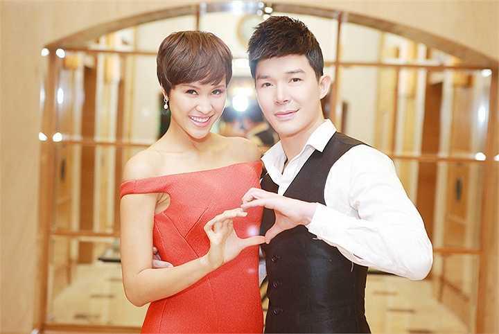 Nam ca sĩ điển trai đã hút hồn toàn bộ khán giả Việt Nam cùng quan khách quốc tế với phần trình diễn hết sức ấn tượng của mình