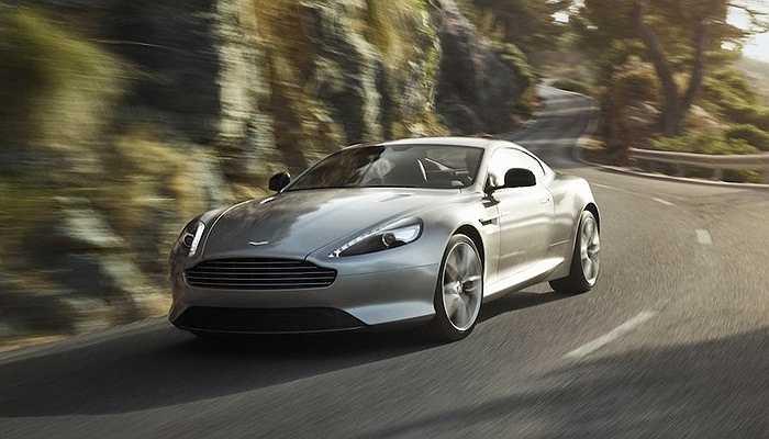 Aston Martin DB9 là chiếc xe từng thuộc sở hữu của ông tuy nhiên sau đó, nó đã bị hỏng nặng trong một cuộc vụ tai nạn ở San Bruno, California
