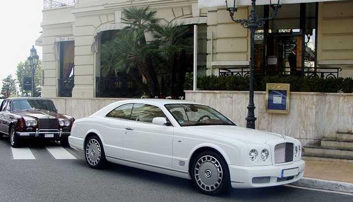 Bentley Brooklands là chiếc xe tiếp theo mà Ive sở hữu