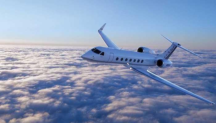 Sau khi Steve Jobs qua đời, Jonathan Ive mua lại máy bay phản lực của huyền thoại này. Trước đó, ông bị Tim Cook từ chối bán chuyên cơ của mình.
