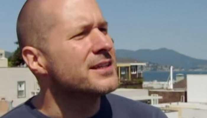 Hiện nay, ông đang sinh sống tại San Francisco và sử dụng phương tiện công cộng để di chuyển tới trụ sở của Apple tại Cupertino, California, Mỹ