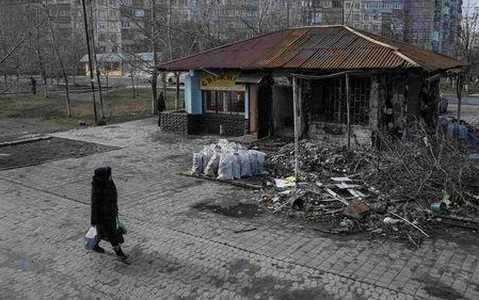 Một góc Mariupol tan hoang vì đạn pháo