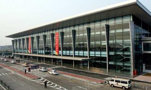 Sảnh E Nhà ga T1 được đưa vào hoạt động năm 2013, được thiết kế phục vụ 3 triệu lượt khách mỗi năm. Ảnh: ACV