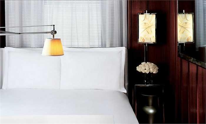 Lại là kiểu chỉnh sửa ảnh khiến người xem có cảm giác mới chỉ nhìn thấy một phần của chiếc giường lớn ở khách sạn Hudson, New York.
