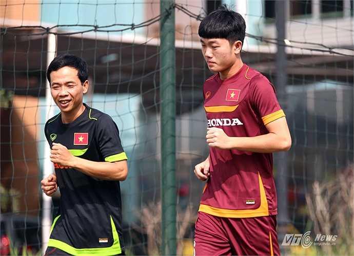 Lúc này có những thông tin cho rằng, Xuân Trường sẽ phải nghỉ thi đấu ít nhất 4 tháng khiến những tia hy vọng ở lại U23 Việt Nam của cầu thủ quê Tuyên Quang dần lụi tắt.