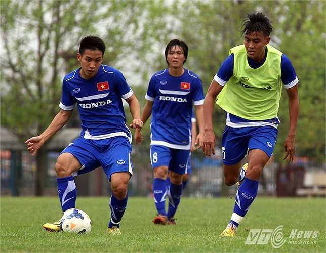 Từ nay đến lúc U23 Việt Nam lên đường sang Malaysia, đội sẽ có ít nhất 4 trận giao hữu. và là cơ hội để trung vệ của Gạch ghi điểm với thầy Miura. (Ảnh: Quang Minh)