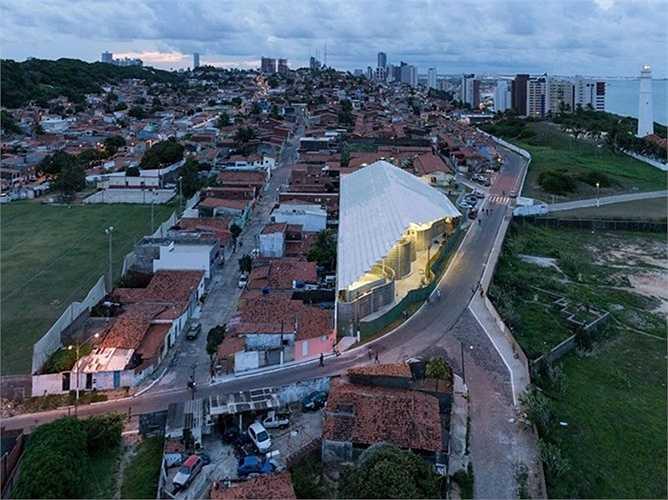 Arena do Morro – Trung tâm thể thao cộng đồng cho một thành phố của Brazil. Đây là thiết kế của công ty kiến trúc Herzog & de Meuron.