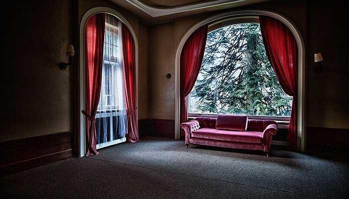 Hình ảnh một khách sạn bỏ hoang tại Đức