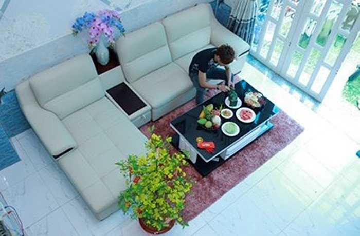 Nam ca sỹ Hồ Quang Hiếu cũng vừa tậu được một căn nhà 3 tầng lầu ở quận Gò Vấp, TP.HCM.