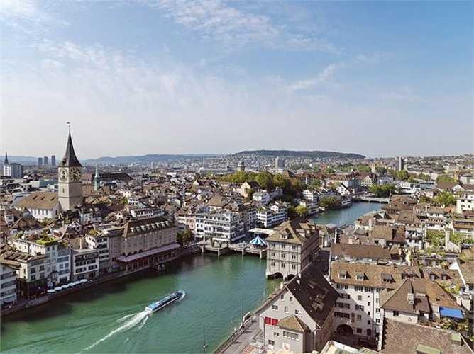 Zurich (Thuy Sỹ) thành phố đắt đỏ thứ tư thế giới, không thay đổi vị trí so với năm 2014. Giá 1 kg bánh mỳ 5,96 USD, giá 1 lít xăng 2,07 USD