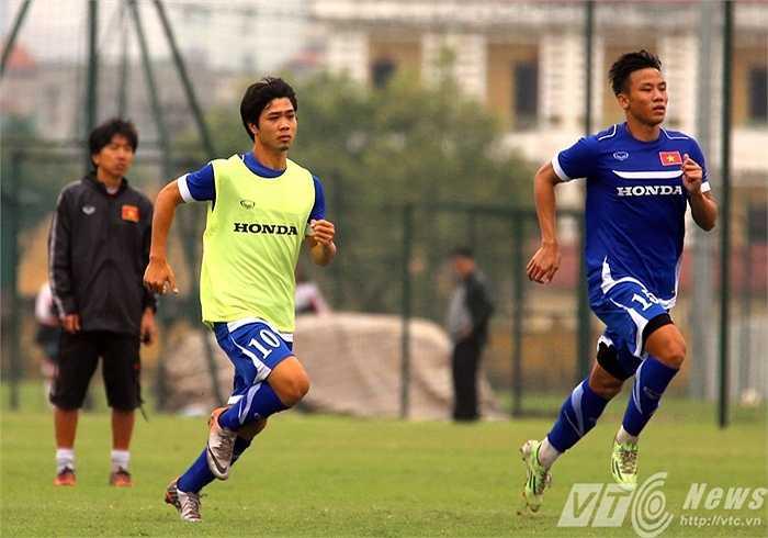 Tuy nhiên điều đó không làm U23 Việt Nam mất tập trung (Ảnh: Quang Minh)