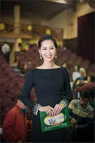 Ngắm Hoa hậu Dương Thùy Linh tại sự kiện.