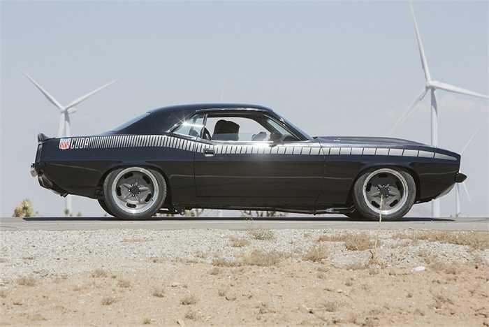 Những chiếc xe siêu đắt đỏ như 969 Ford Tprino Talladega 'GPT Special', 1970 Plymouth Barracuda cũng được đưa vào bộ phim.