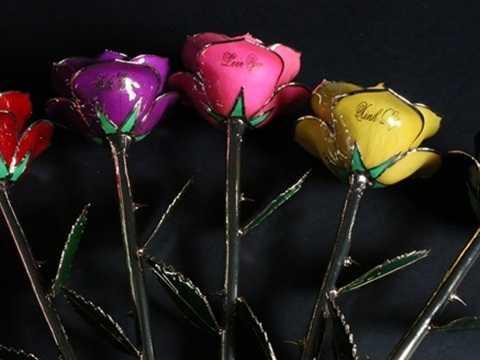 Hoa hồng sơn mài dát vàng
