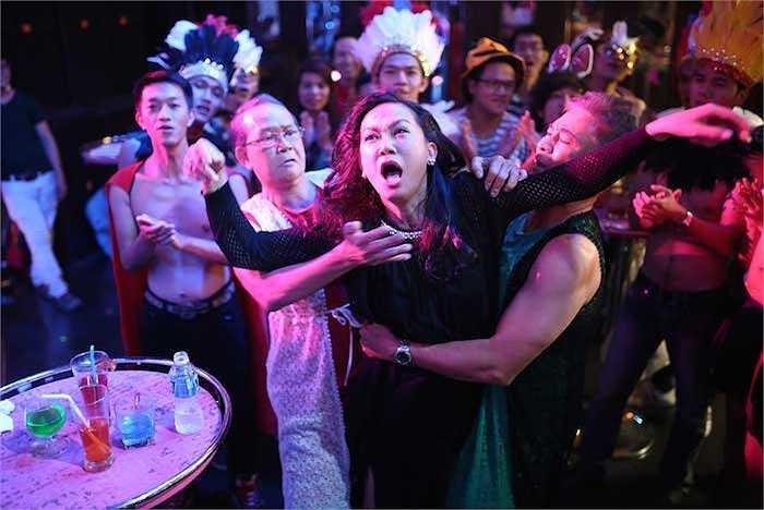 'Cầu vồng không sắc'quy tụ dàn diễn viên khá hot nhưKim Khánh,Lê Thiện,Thanh Điền,Thu Trang,Minh Béo,Việt My, ...
