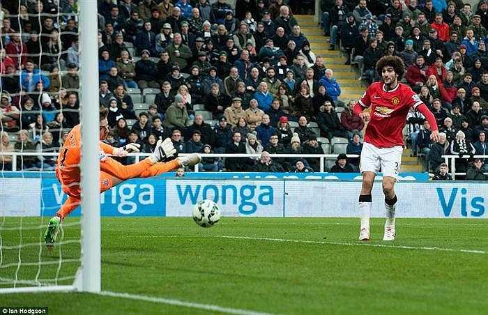Krul liên tục chối bỏ bàn thắng dành cho Man Utd.