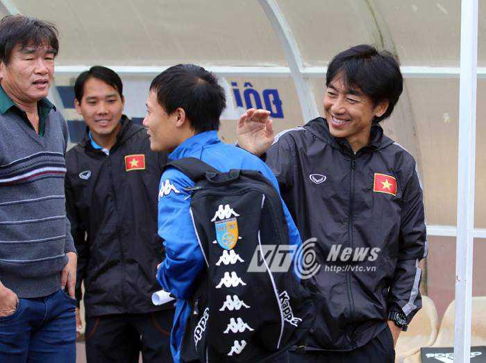 HLV Miura vui mừng gặp Thành Lương