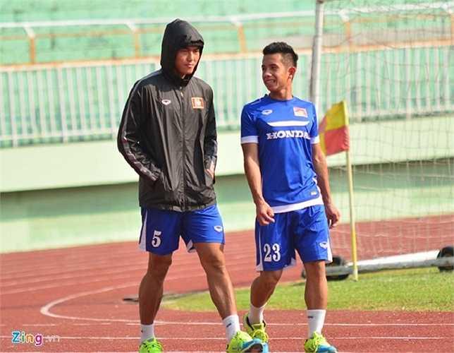 Phạm Hoàng Lâm (số 5) và Nguyễn Phong Hồng Duy nhiều khả năng chia tay đội tuyển trong vài ngày tới vì chấn thương.