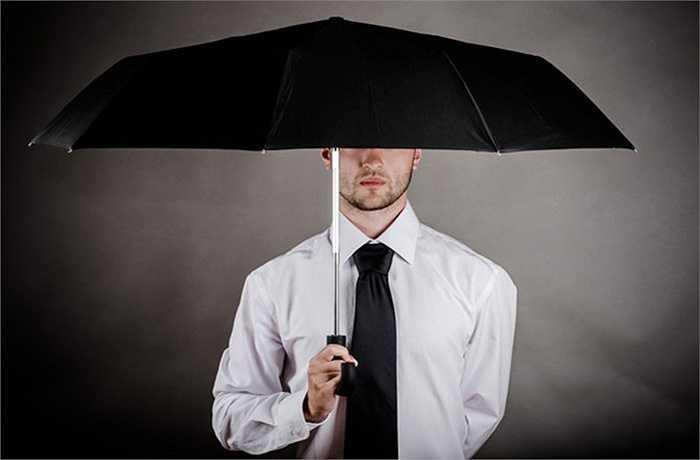 Đừng mở ô khi ở trong nhà bởi nó sẽ mang lại cho bạn điều chẳng lành
