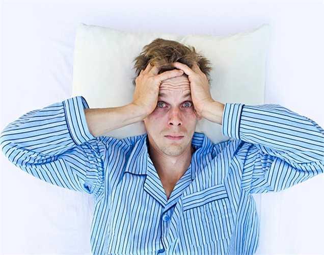 Ngủ đủ và giấc ngủ sâu là rất quan trọng cho não và tuyến thượng thận để tạo ra hormone. Hãy ngủ ít nhất tám giờ ngủ ngon mỗi đêm.