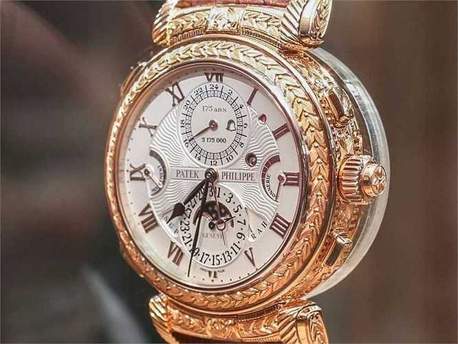 Grandmaster Chime (Giá: 2,6 triệu USD): Đây là một chiếc đồng hồ khá đặc biệt khi có tới 2 mặt có thể xem giờ đã được hãng Patek Philippe làm ra nhận dịp kỷ niệm 175 năm thành lập của mình. Hãng này đã mất tới 8 năm phát triển cùng 100.000 giờ để cho ra đời mỗi chiếc Grandmaster Chime, chính vì vậy chỉ có đúng 8 chiếc đồng hồ này được sản xuất.