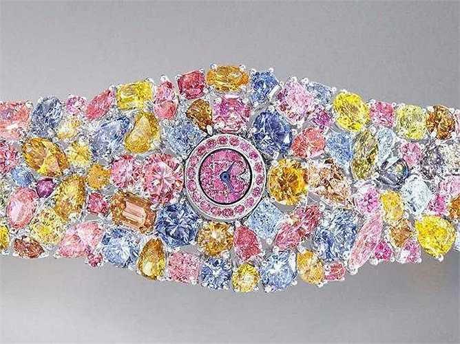 Diamonds Hallucination (Giá: 55 triệu USD): Không chỉ đơn thuần là một chiếc đồng hồ, đây còn làm món trang sức khó có thể sang trọng hơn. Tổng số lượng kim cương được đính lên chiếc đồng hồ này lên tới 110 carats.