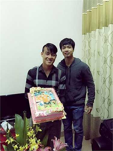 Hôm 6/3, Hoàng Lâm cũng có buổi sinh nhật bên cạnh những người đồng đội.