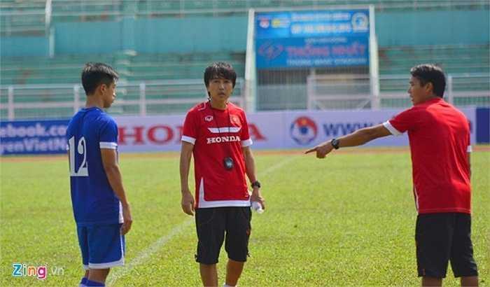 Hiện tại, nhà cầm quân sinh năm 1963 đang cùng các cầu thủ U23 chuẩn bị cho vòng loại U23 châu Á diễn ra tại Malaysia cuối tháng 3. (Ảnh: Zing)