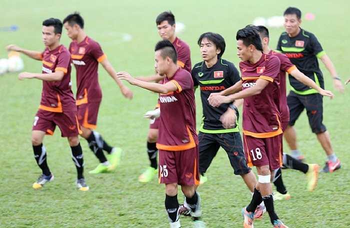 Dưới sự dẫn dắt của ông, U23 lần đầu vượt qua vòng bảng ASIAD với vị trí số một, trong khi đội tuyển quốc gia vào bán kết AFF Cup. (Ảnh: VNExpress)